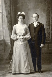Wedding photo of William and Lydia Walvoord c. 1902